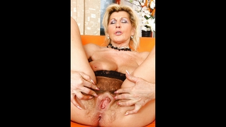 Matures & Milfs Slideshow 01