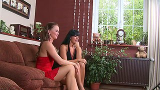 Hot And Sexy Babes Carmen Croft And Silvia Saint Pose