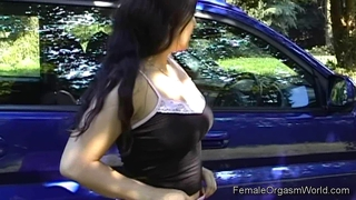 Sexy Babe Masturbating In Her Car