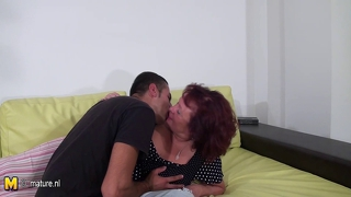 Mature Slut Mom Fucking And Sucking A Hard Cock