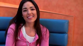 Playful Sian Needs To Be Fingered Hard Immediately