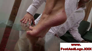 Victoria Blaze Gets Her Feet Worshipped Before Giving Footjo