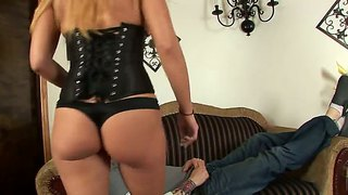 Leya Falcon Sucks The Fuck Out Of A Meaty Dick