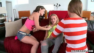 Jenni lee in a hot lesbo threeway