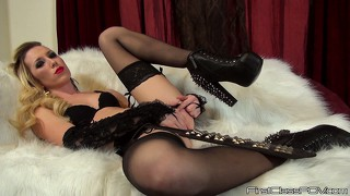 Spontaneous whore in black outfit maia davis touches her tits and ass