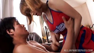 Sexy Japanese Cheerleader Blows Her Boyfriend
