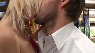 Alice F Gets Fingered And Reaches Multiple Orgasms