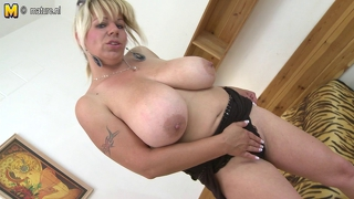 Hot Housewife Mom With Very Big Tits Getting Wet