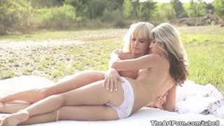Sweet bella and gina horny outdoor pussy licking
