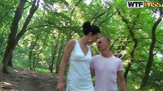 Amateur brunette babe yasmine with tight ass gives nice blowjob to skinny dude out in the woods