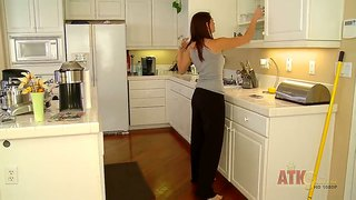 Attractive shae snow loves to be in the kitchen