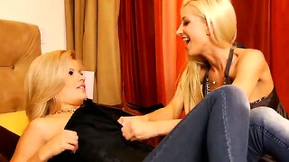 Adriana Sephora And Sammie Rhodes In Lezzie Action