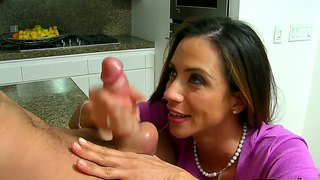 Mom Ariella Ferrera Steals Bf From Callie Cyprus