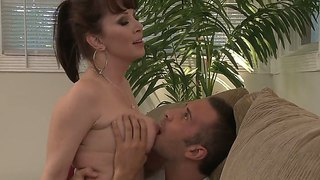 The Sympathetic And Appetizing Milf Pornstar Keiran Lee Makes A Deep Blowjob To Rayveness