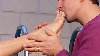 Jasmine Rouge Uses Her Feet To Jack Off A Cock