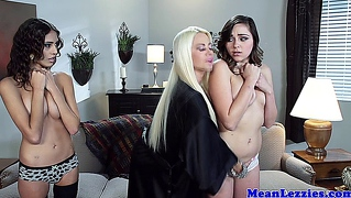 Lesbo Zoey Foxx In Hot Threeway