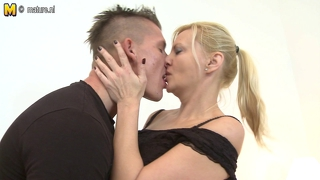 Mature Slut Mom Having Great Sex With Her Toy Boy
