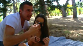 Young Slut Anita B. Has Hot Oral Session Outdoor