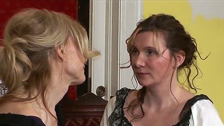 Two pretty milf houswifes nica noelle and nina hartley spending time together in lesbian game