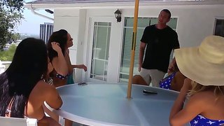 Jessica Jaymes,Jordan Ash,Lisa Ann And Nicole Aniston Are Enjoyign A Horny 4Th Of July