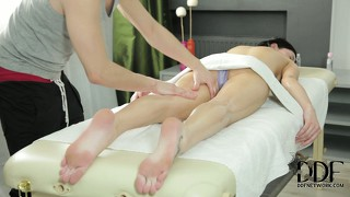 He spends a lot of time on her ass during the massage, she thanks his cock
