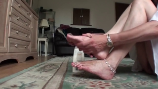 Milf Cream And Tease Feet