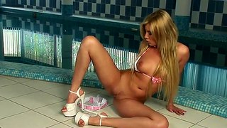 Donna Bell Take Her Bra And Panties Off In Front Of Swimming Pool