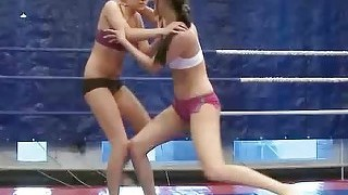 Cute Young Girls Fighting
