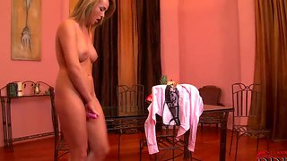 Have fun with awesome exceptionable blonde chick kitty cat getting herself off with vibrator