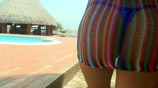 Curvy Prefers To Show Her Big Ass In The Pool And Hang Out With Pretty And Hungry For Sex Boys