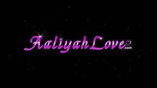 Aaliyah love's nasty online chat with her friends