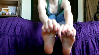 Amateur Teen Feet 2 - Rub In Some Lotion !
