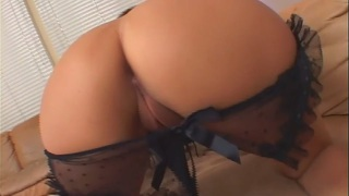 Sativa rose showing her awesome ass and banging
