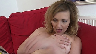 Reif Nylons Strip Milf