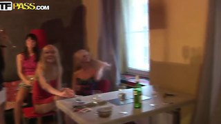 Amateur Action With Friends Named Carolina, Emmy, Logan And Milia
