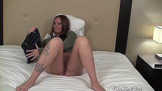 Playful Tattoeed Amateur Pussy