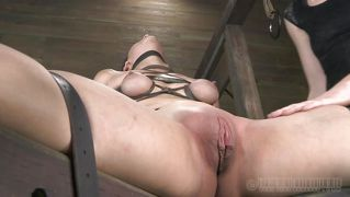 Bdsm Slut Pussy Licked For Starts