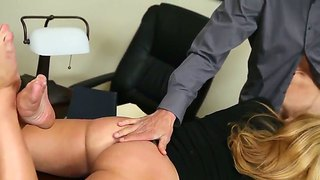 Check Out Stunning Oral Skills Of Jessie Rogers, Who Really Loves Sucking Dongs