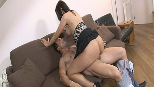 Hot Brunette Sex Addict Mandy Saxo Fucks With Her Therapist