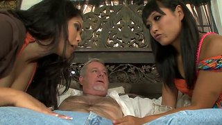 Deepthroat Girls Jessica Bangkok And Yuki Mori