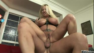 Horny Chick Joining Her Mom For An Amazing Threesome In Hd!