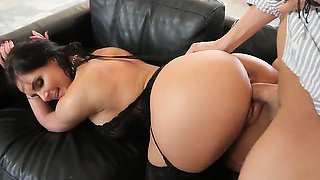 Cougars like her know the right way to take charge over a man