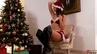 This Hot Chick Aneta Is The Best Christmas Gift