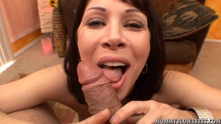 Legendary Milf Rayvenness Eagerly Gives A Blow Job