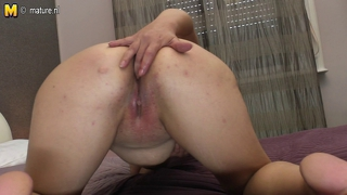 Granny With Shaved Pussy Hungry For Fuck