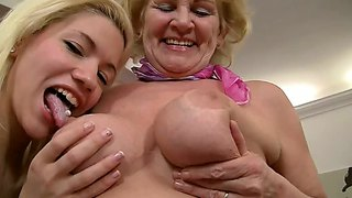 Teen blonde sally a licking the pussy of mature bibi noel