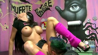 Jessica jaymes has her pussy ate like a boss