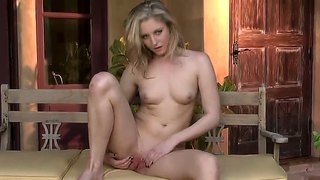 Tatum Woods Plays With Tireless Vibrator