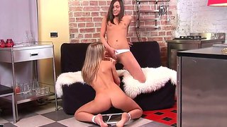 Ashely And Hot Sinovia Are Having Intense Pleasure Stimulating Eachother In Softcore