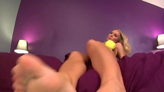 Nicole Aniston Gets Her Feet Toes Licked